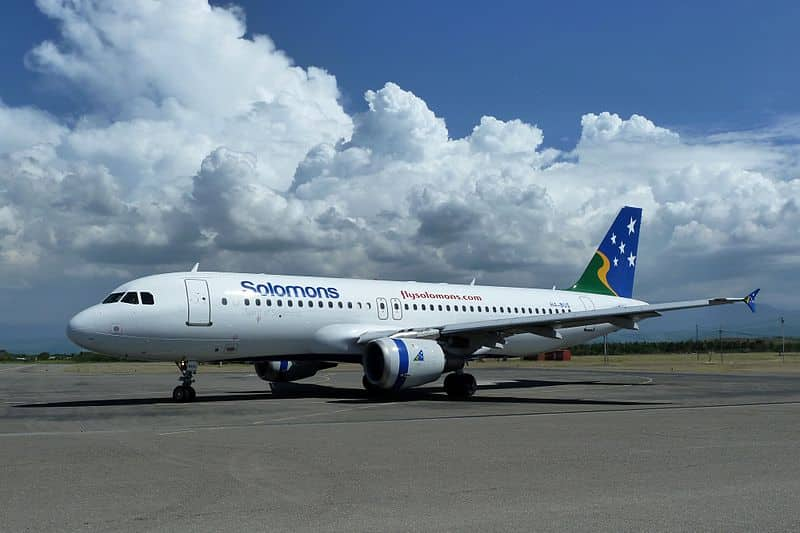 800px-Solomon_Airlines_Airbus_A320-211_at_Honiara_Airport_in_2012