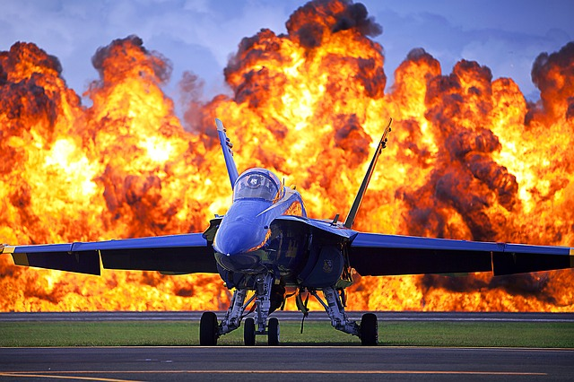 blue-angels-jet-582897_640