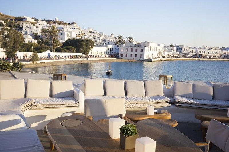 Restaurant overlooking Mykonos